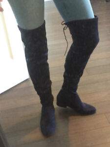 LIKE NEW NAVY BLUE SUED KNEE HIGH BOOTS 8.5