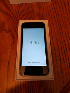 iPhone 5S - 16 GB - Black - Bell/Virgin