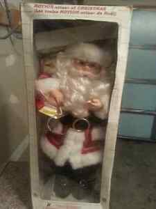 Crazy old animatronic dancing Santa