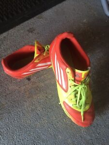 Adidas f-50 soccer cleats  size 5 youth