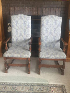 63f5345b7ccb2 TWO VINTAGE SOLID WOOD VINTAGE CHAIRS FOR SALE