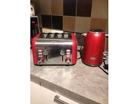 Breville matching Kettle and 4 slice toaster