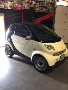 2006 Smart Fortwo Coupe (2 door) LOW Km glass roof