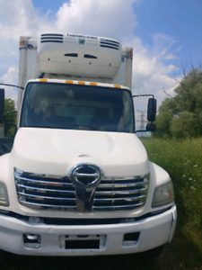 2007 hino 308 Reefer straight truck for sale - LOW KM