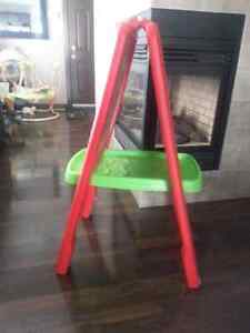 Step 2 Easel for Two - red green