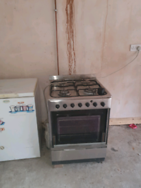 Gas Cooker and iven