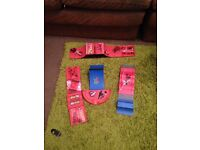 Toy skate park ramp set