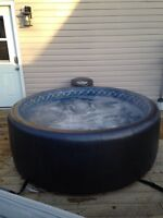 Save over $1000 - 6 person SoftTub hot tub/spa