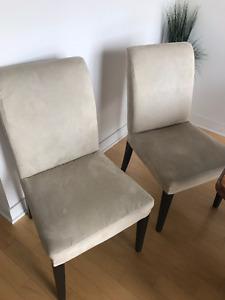 2 chaises HENRIKSDAL de chez Ikea