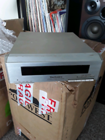Technics stereo tuner ST- HD350