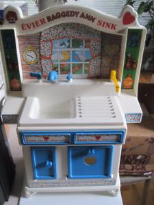 Raggedy Ann evier vintage 20' X 15' sink