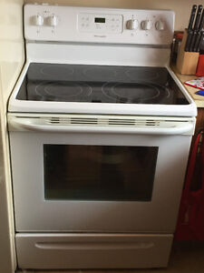 5 years old! Frigidaire Range Stove - Moving Need gone NOW!!!