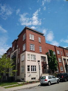 1 bedroom condo with garage in the Old Port available now
