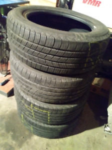 Set of 4 Michelin Defender All season Tires 205/55r16
