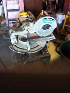 Delta Sliding  Compound Mitre Saw with Stand 100.00 obo