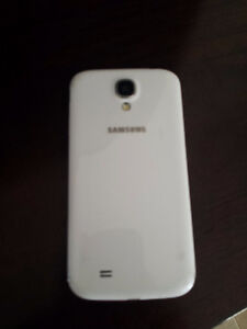 Samsung Galaxy S4 16 GB white with  brand new case & charger