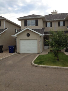 Townhouse Condo /w Garage and Driveway