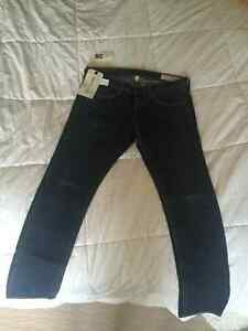 Aritzia Rag & Bone Tomboy Aged Jeans New with Tags Size 28