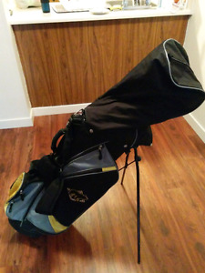 11 piece Golden Bear Golf Club Set
