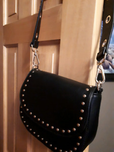 Brand new Women Vegan leather purse pickup Canmore