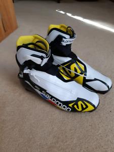 Cross country skate ski boots