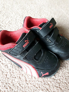 Toddler Puma shoes size 5