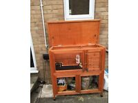 Double rabbit / Guinea pig hutch with cover