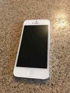 iPhone 5 64gb perfect condition St. John's Newfoundland image 1