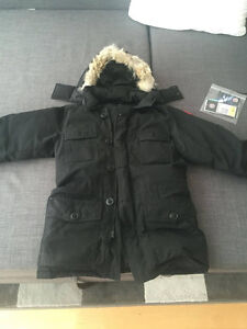 Canada Goose Banff Parka Size small 100% Authentic