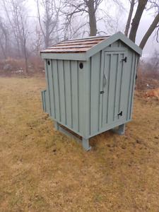 Hens for sale kijiji free classifieds in ontario find for Fancy chicken coops for sale