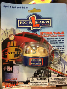 LIONEL - TINIEST OPERATING TRAIN LAYOUT IN THE WORLD - Keychain