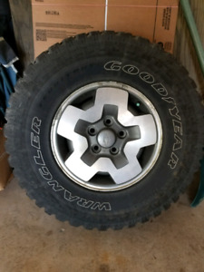 """15"""" chevy blazer rims with mismatched tires"""