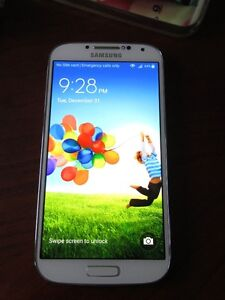 Unlocked White Samsung S4 16GB Mint with charger/case