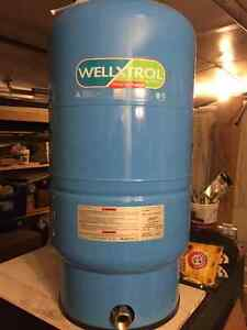 New Amtrol (wellxtrol) WX202 Well pressure tank-unused