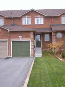 BRIGHT, SPACIOUS & SUPER CLEAN 3 BEDRM SOUTHEAST HOME
