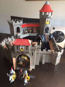 Playmobil - Gros Château des chevaliers du Lion