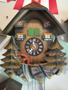 Musical vintage cuckoo clock, Mint condition!