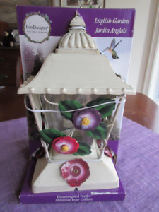 Birdscapes English Garden Hummingbird Feeder  White Lantern