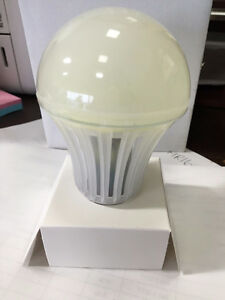~~Clearance! LED A19 Bulbs-Dimmable ALL Colour Temperatures~~~~~