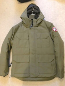 Canada Goose    Constable Parka ( Olive ) XS Fits  S