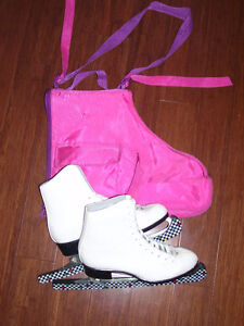 Woman's Vintage CCM Figure Ice Skates Size 8 w/ bag and guards