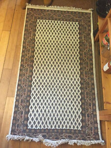 Rug from India. Brand New/Neuf Negotiable 100% Wool 150-170$