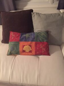 Decorative pillows  $3 each Kitchener / Waterloo Kitchener Area image 1