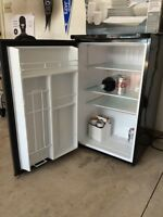 Bar/mini fridge