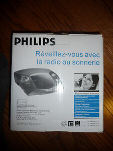 Radio réveil PHILIPS, model AJ3125