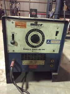 Miller 250 Dialarc AC/DC Welder