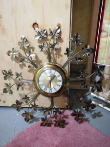 MINT VINTAGE United Metal Starburst Leaf Model 20 Wall Clock
