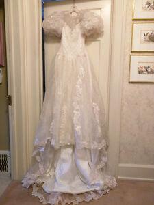 Lovely wedding or grad dress
