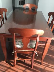 EnsembleTable, 6 chaises, coussins assortis & vitre protectrice
