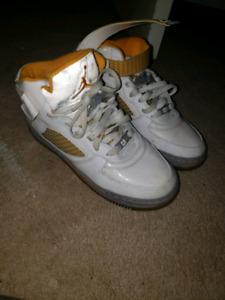 Air Jordan Force White Orange Peel size 7